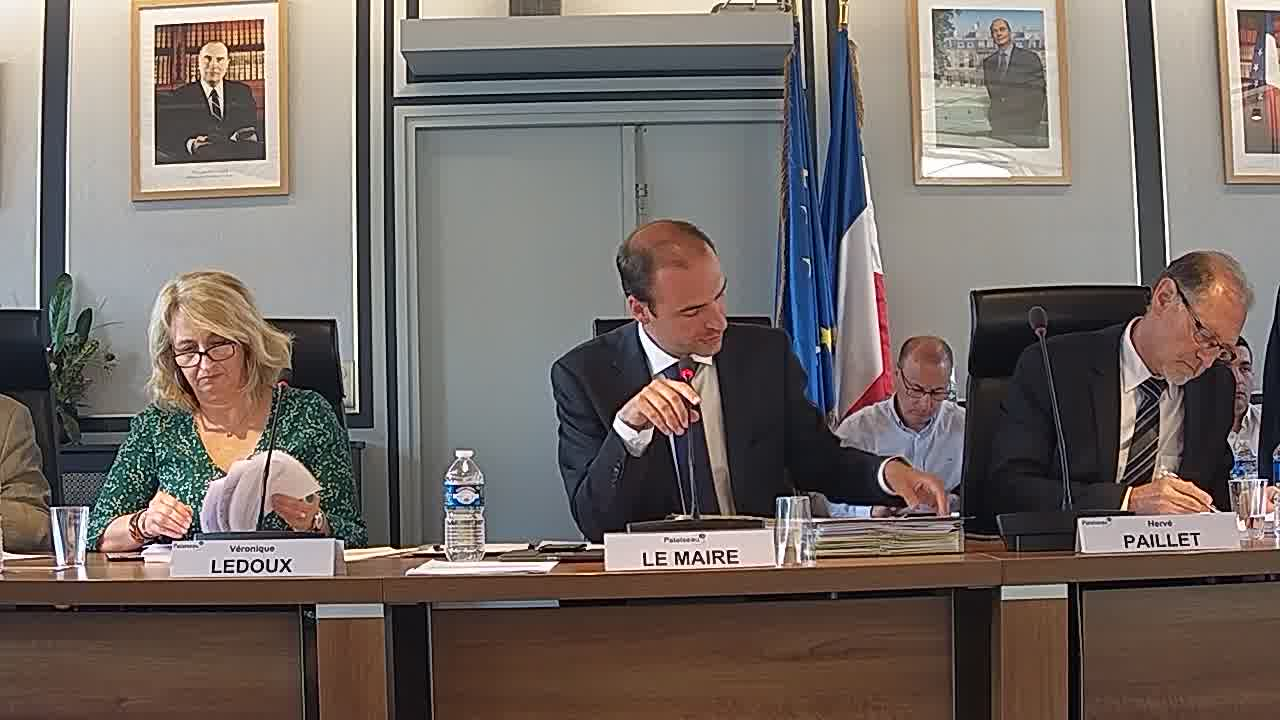 Réhabilitation des réseaux d'eaux usées - Demande de subventions / Prise en charge, à titre exceptionnel, par la Ville de deux amendes forfaitaires majorées
