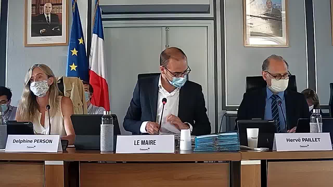 Adoption du procès-verbal du conseil municipal - Séance du 24 avril 2020 et Services de transports communaux - Groupement de commandes