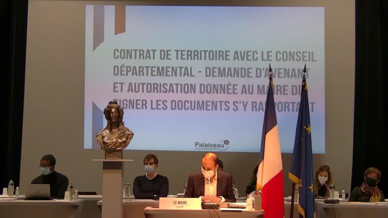 Contrat de territoire avec le Conseil départemental - Demande d'avenant et autorisation donnée au Maire de signer les documents s'y rapportant