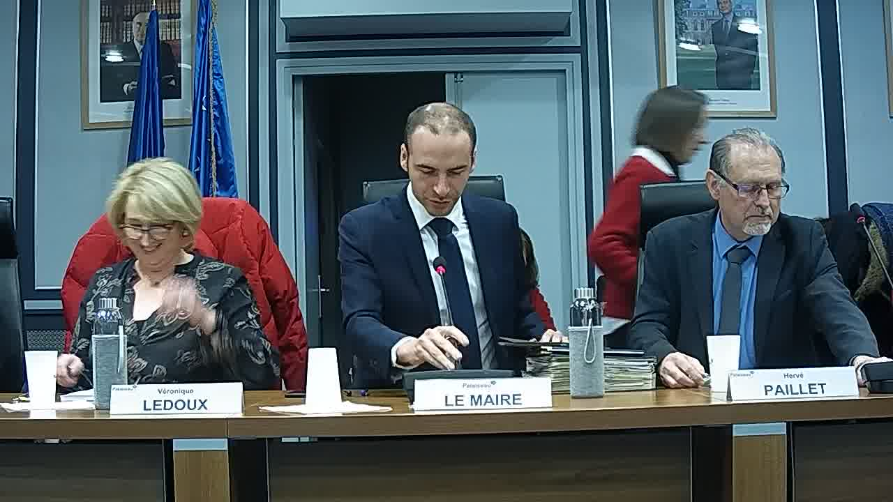 Appel des présents et Recueillement en hommage à Madame Dominique LABICHE CHANDERNAGOR