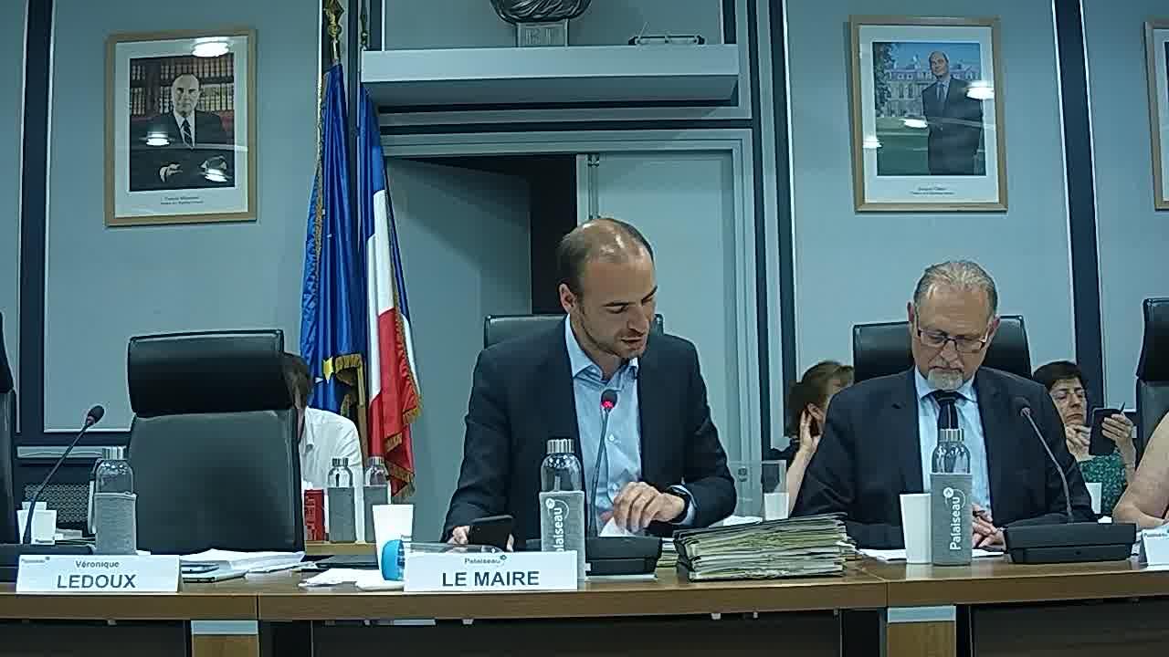 Ilot 10 - Places de stationnement - Conclusion d'un bail emphytéotique - Société BATIGERE / Motion relative au référendum d'initiative partagée contre la privatisation d'Aéroports de Paris (ADP)