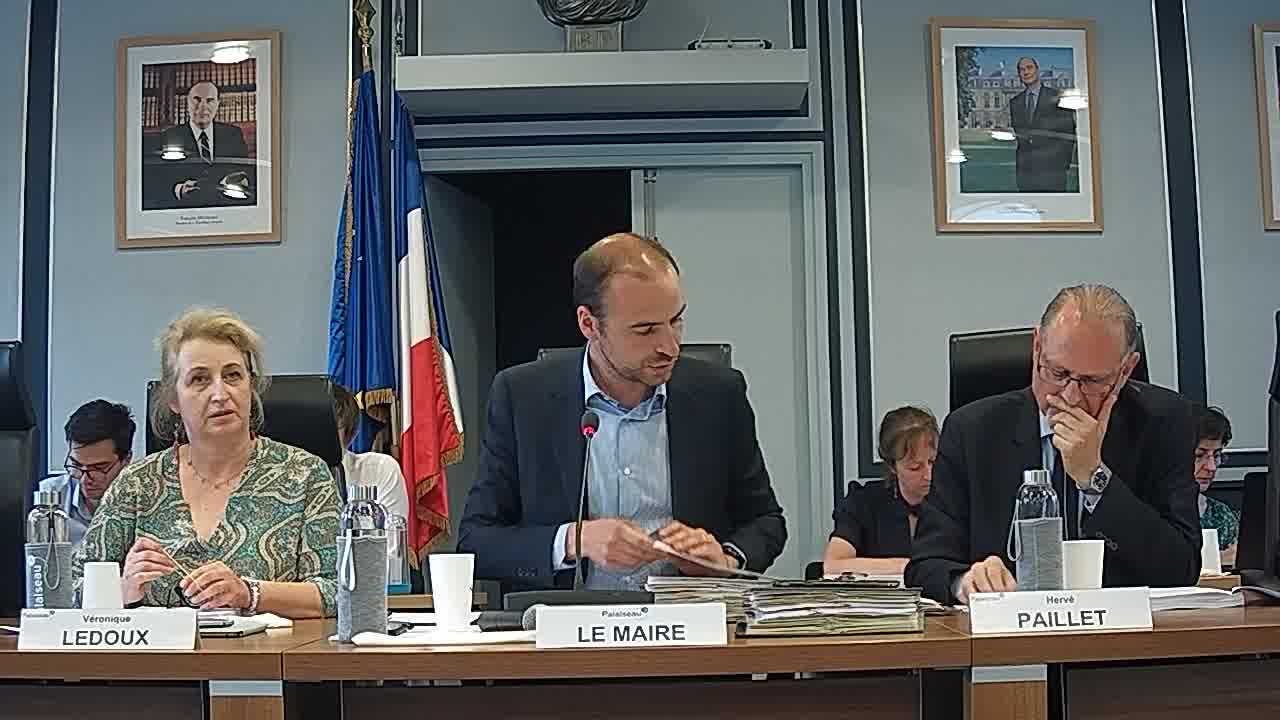 Démission de M. Alexandre HUYNH-VAN ESCANDE, conseiller municipal - Installation d'un nouveau conseiller municipal