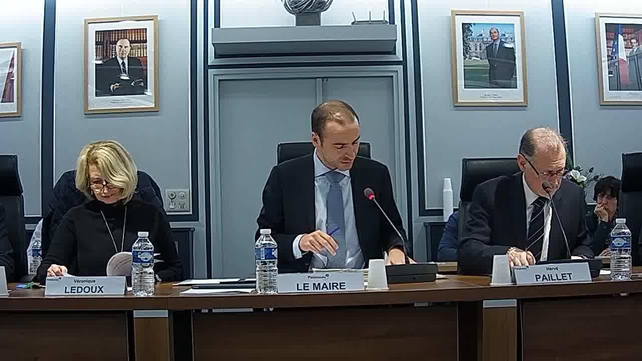 Adoption du procès-verbal du conseil municipal - Séance du 27 novembre 2017