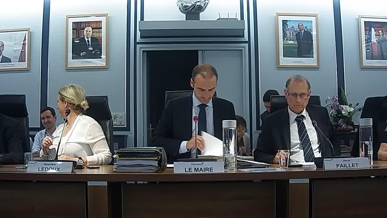 Adoption du procès-verbal du conseil municipal - Séance du 30 juin 2017