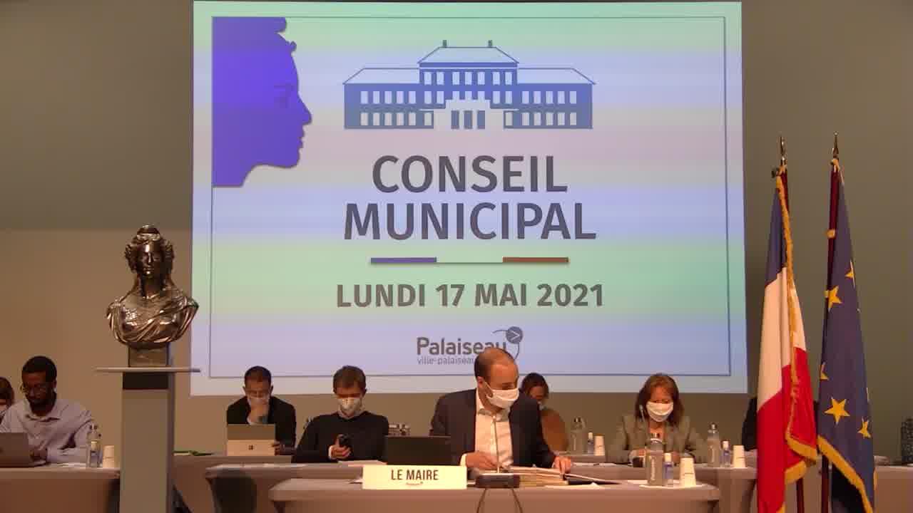 Adoption des procès-verbaux du Conseil municipal